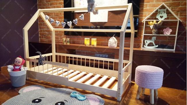 Lit cabane Lisa avec barrière 60 x 120cm