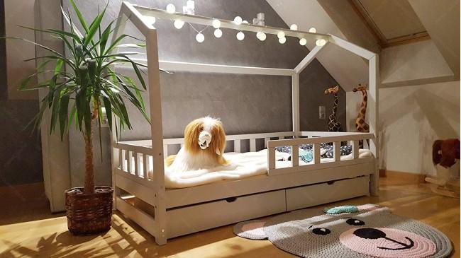 Lit cabane Bella avec barrière avec un tiroir 60 x 120cm