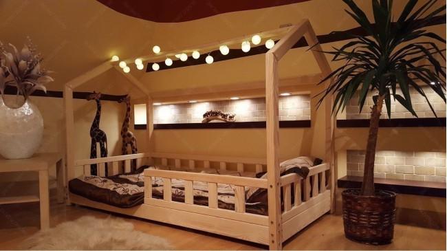 Lit cabane Bella avec barrière 90 x 190cm
