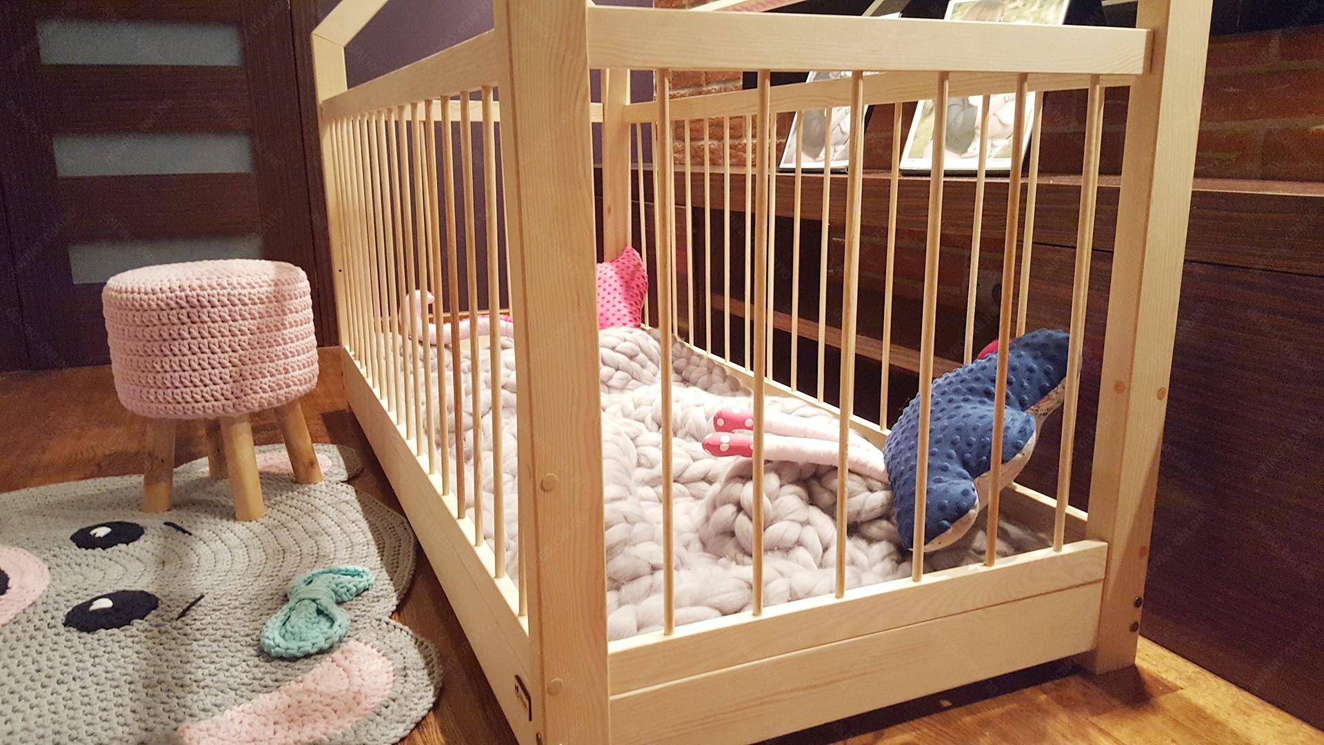 lit cabane dalia avec barri re 80 x 140cm. Black Bedroom Furniture Sets. Home Design Ideas