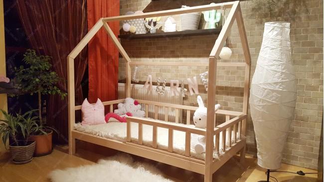 Lit cabane bois de hêtre 60 x 120cm